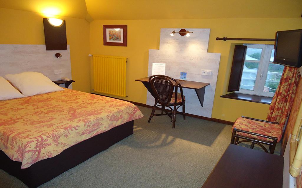 Hotel de la barbacane pas ch re tarifs et r servations for Hotel moins chere